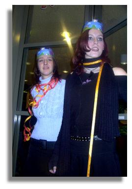 Cindy mit Freundin Elisabeth - noch 17